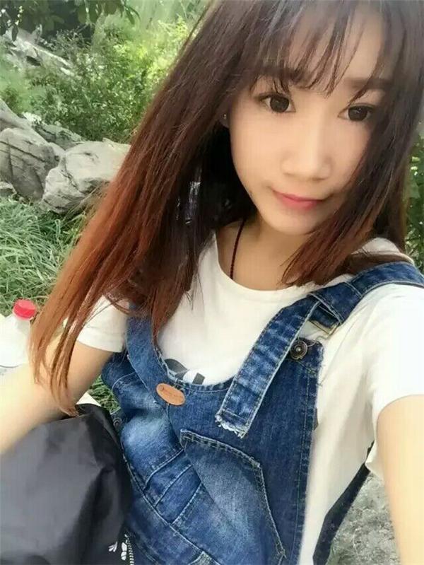 杭州旅游美女自拍